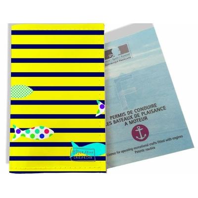 Porte permis bateau femme Marinière Bleu marine et jaune poissons multicolores 2434-2016