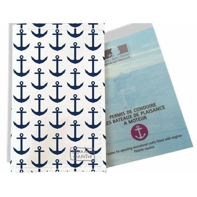 Porte permis bateau, protège permis bateau Ancres bleu marine fond blanc 2127