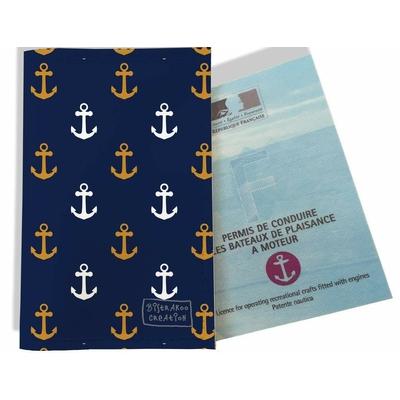 Porte permis bateau, protège permis bateau Ancres rouille et blanc fond bleu marine 2103