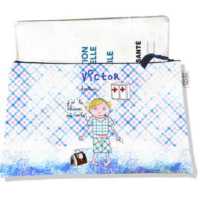 Protège carnet de santé personnalisé zippé pour bébé garçon motif docteur, j'ai le rhume qui coule