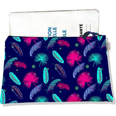 Protège carnet de santé zippé pour femme Plumes multicolores fond bleu marine 2571