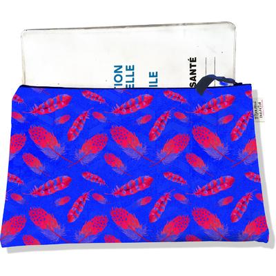 Protège carnet de santé zippé pour femme Plumes rouges fond bleu 2425