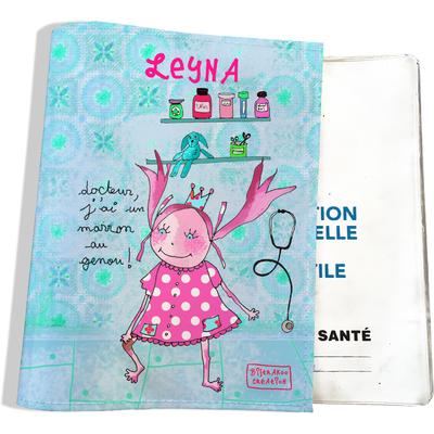 Protège carnet de santé personnalisé bébé fille motif Docteur j'ai un marron au genou