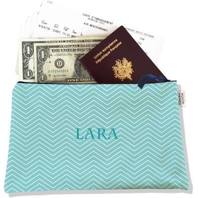 Pochette voyage personnalisable, porte documents chevrons blancs fond bleu ciel P2085-2015