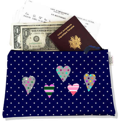 Pochette voyage, porte documents coeurs multicolores fond bleu marine à pois blancs 3275-2017