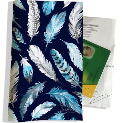 Porte ordonnance et carte vitale Plumes grises et bleues PO6030