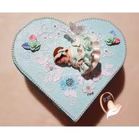 Boîte de naissance bébé fille cristal bleue et blanche - au coeur de arts