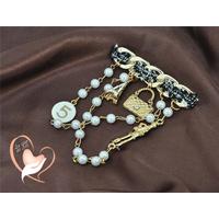 Broche style Chanel sac et ruban- au coeur des arts