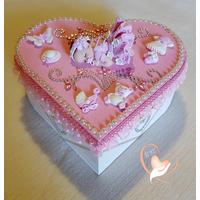 Boîte de naissance bébé fille rose