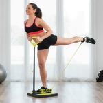 femme faisant un exercice sur son appareil de fitness