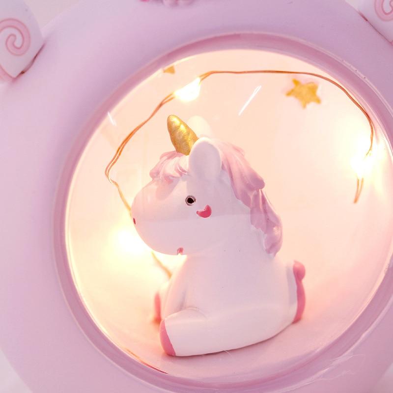 LED de nuit brillante avec enfants l/égers R/éveillez-vous lhorloge de chevet Cadeaux danniversaire pour les enfants Femmes Chambre R/éveils num/ériques Licorne pour les filles 3