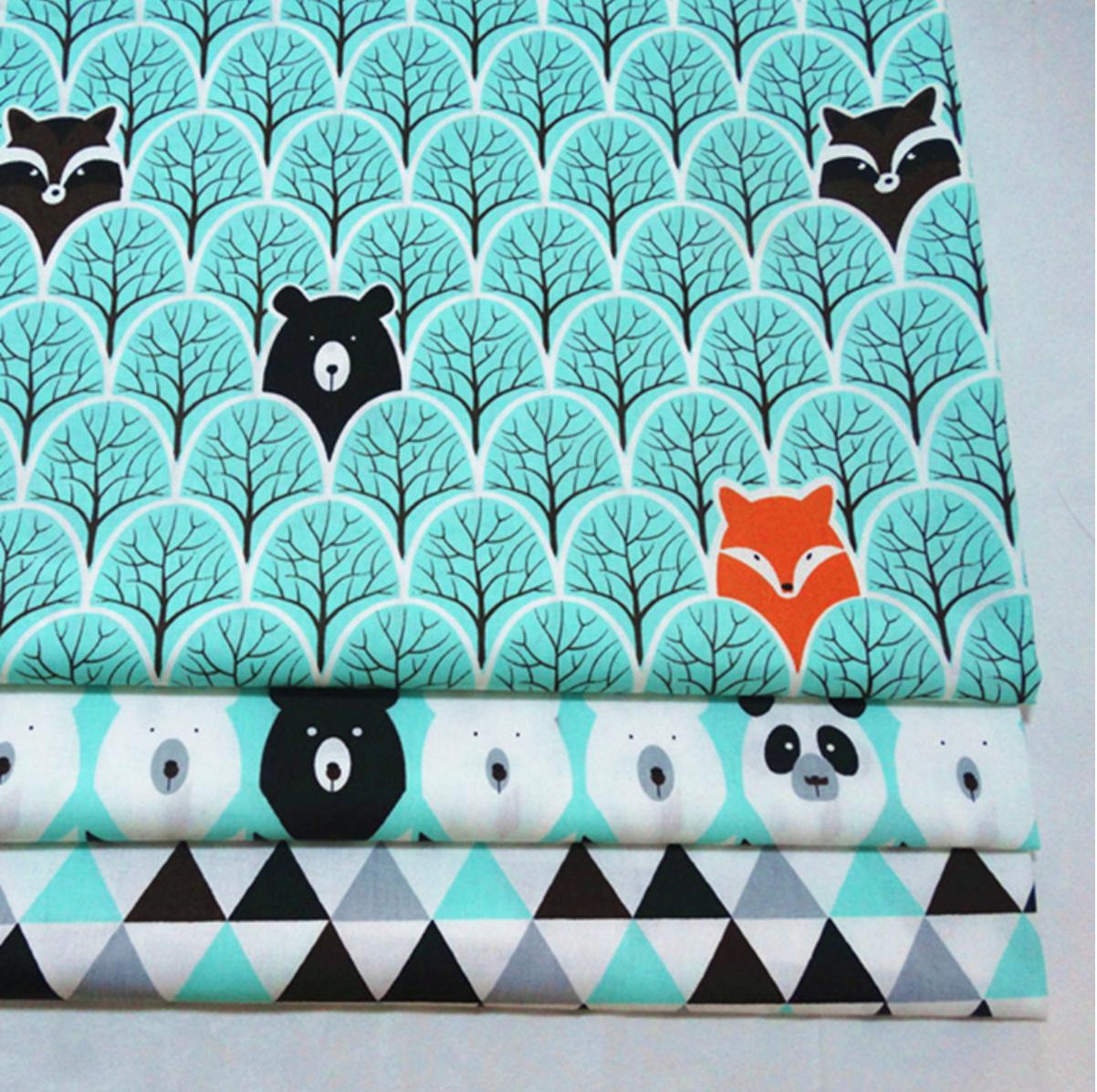Tissu en coton - Imprimé Ours et Renards - Noir et Vert