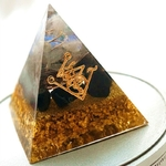 Passion Yoga - Orgone - Pyramide Génératrice de Fortune - Contre les mauvais esprits - 6 cm