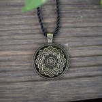 Collier mandala fleur pendentif zen yoga