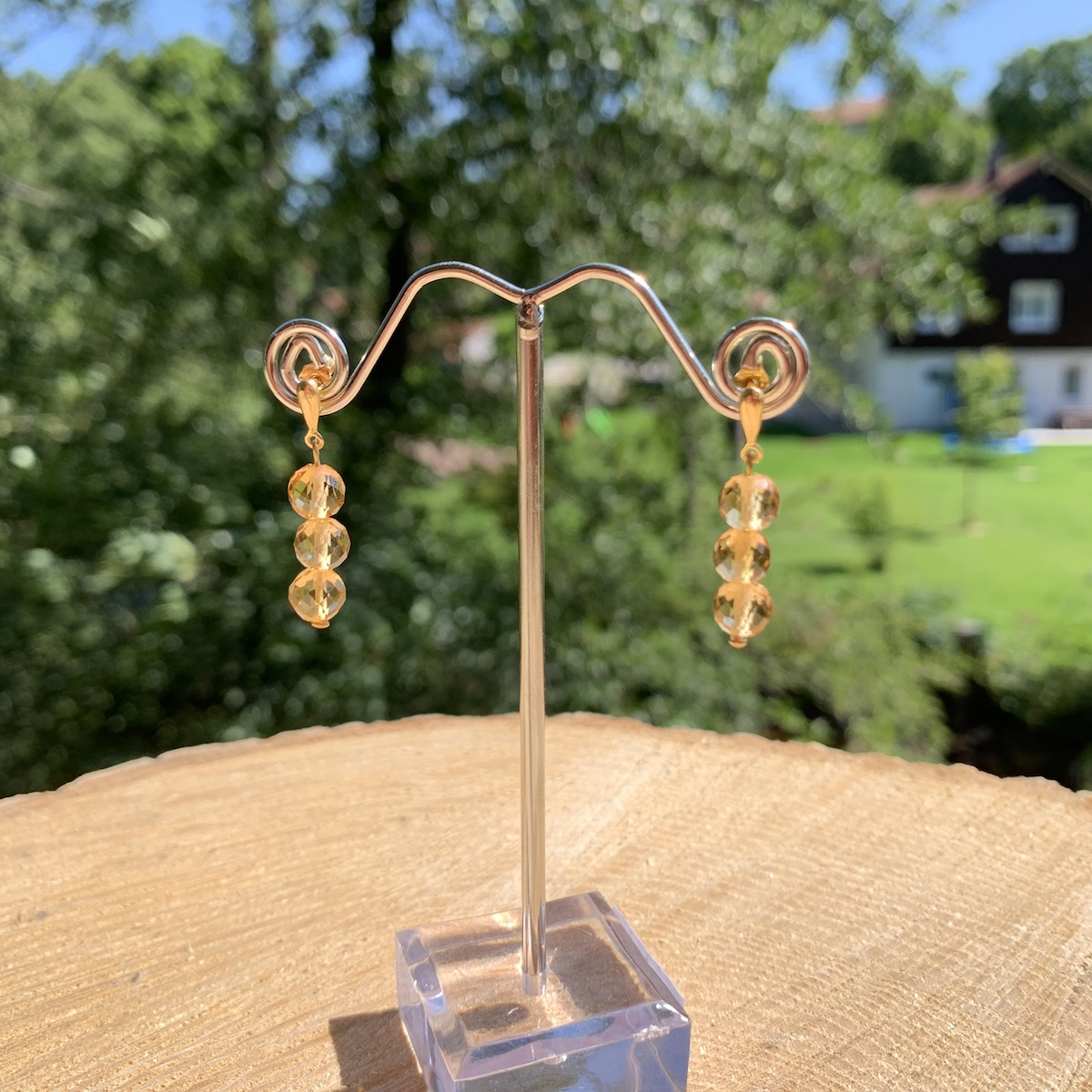Boucle d\'oreille citrine monté sur support en or