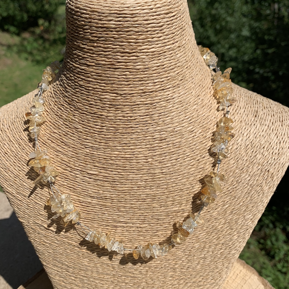 Collier contemporain en citrine pierre naturelle 40 cm