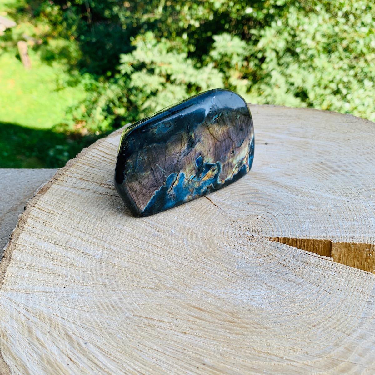 forme-libre-7-labradorite-polie-brute-pierres-du-monde-vosges-1b