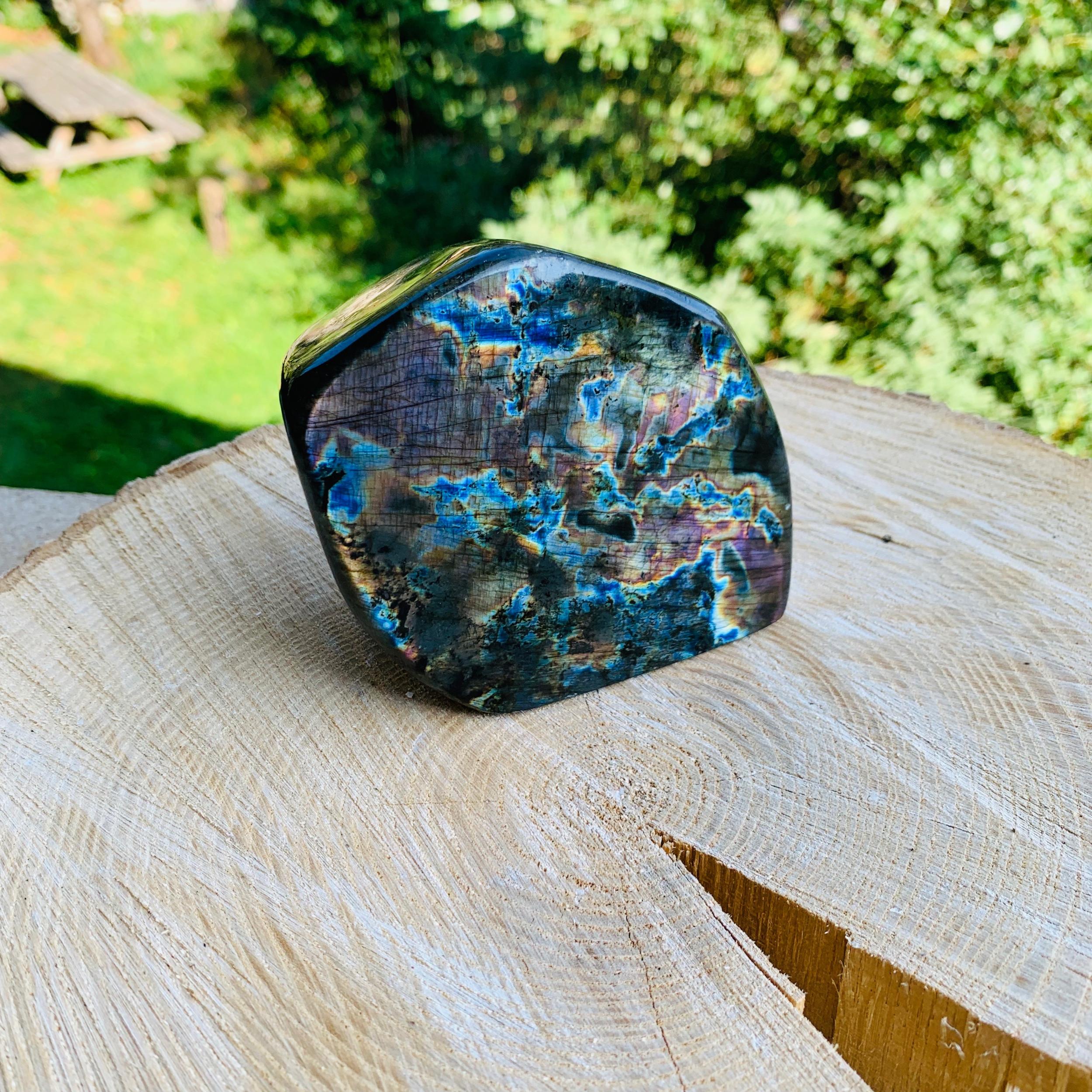 Labradorite forme libre en pierre naturelle spéciale protection N°15
