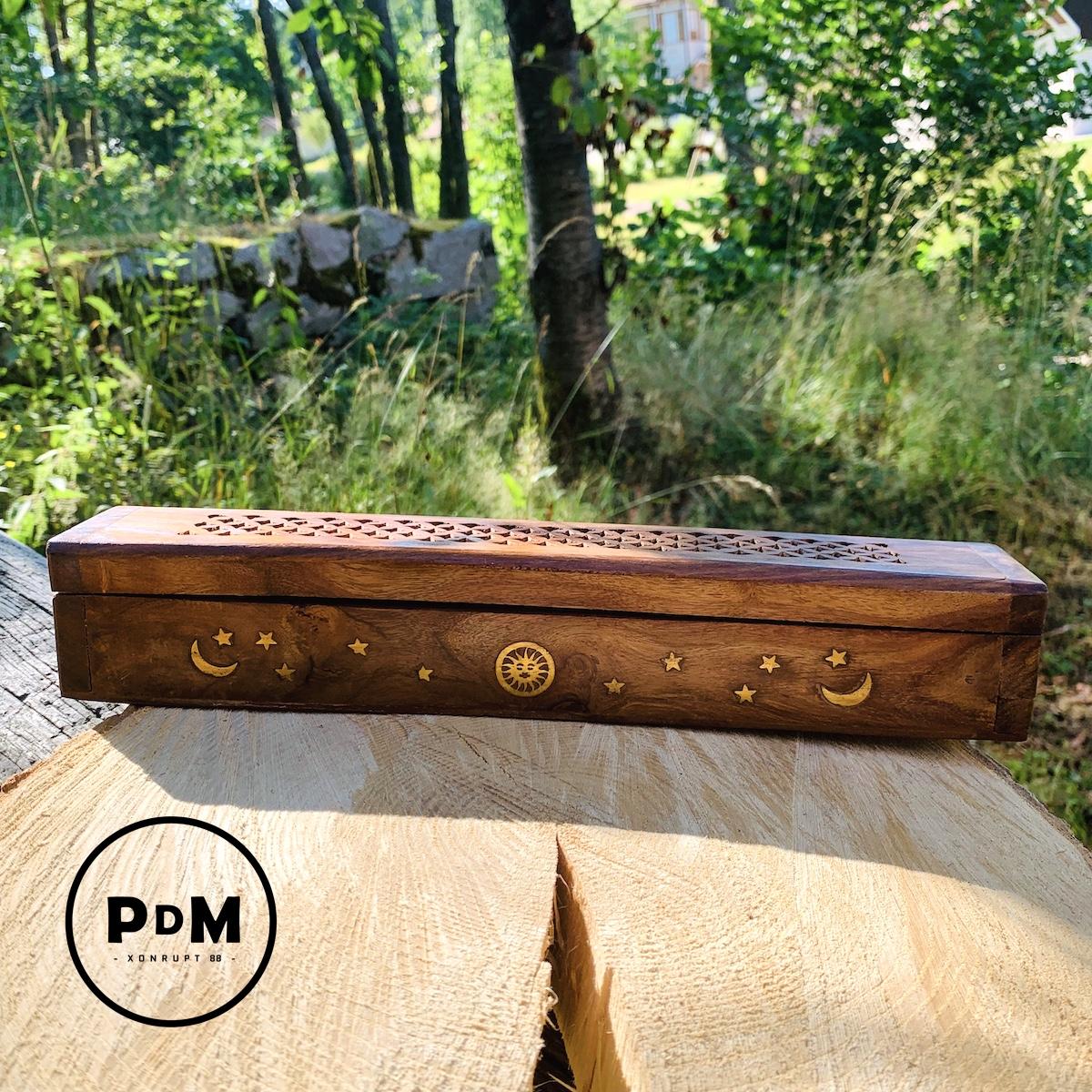 Porte encens motif LUNE avec clapet en bois Longueur 30 cm