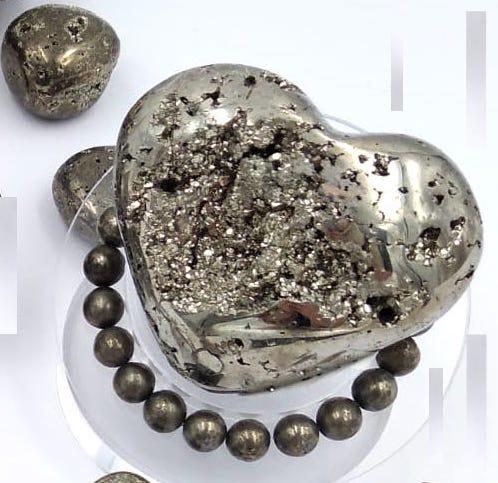 Forme libre en forme de coeur en pierre naturelle de PYRITE DE FER