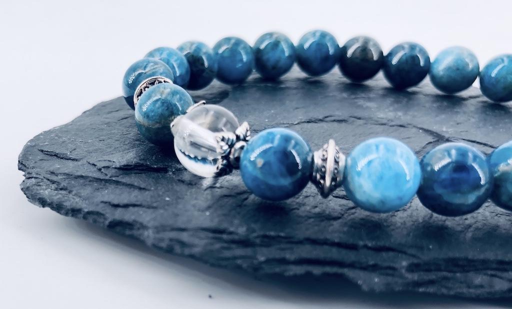 Bracelet d\'Apatite et Quartz blanc en pierre naturelle perle 8mm