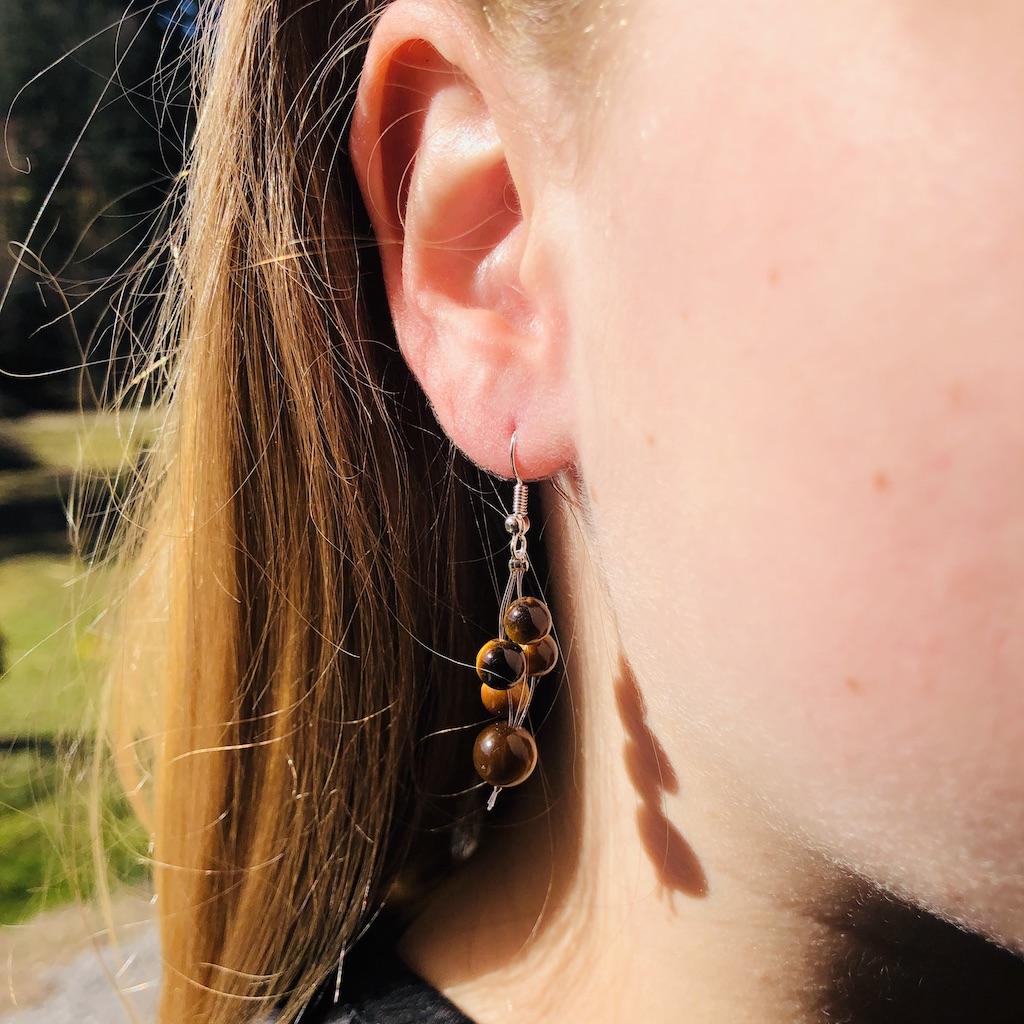 Boucles d\'oreilles Oeil de tigre cascade de perle en pierre naturelle montage acier
