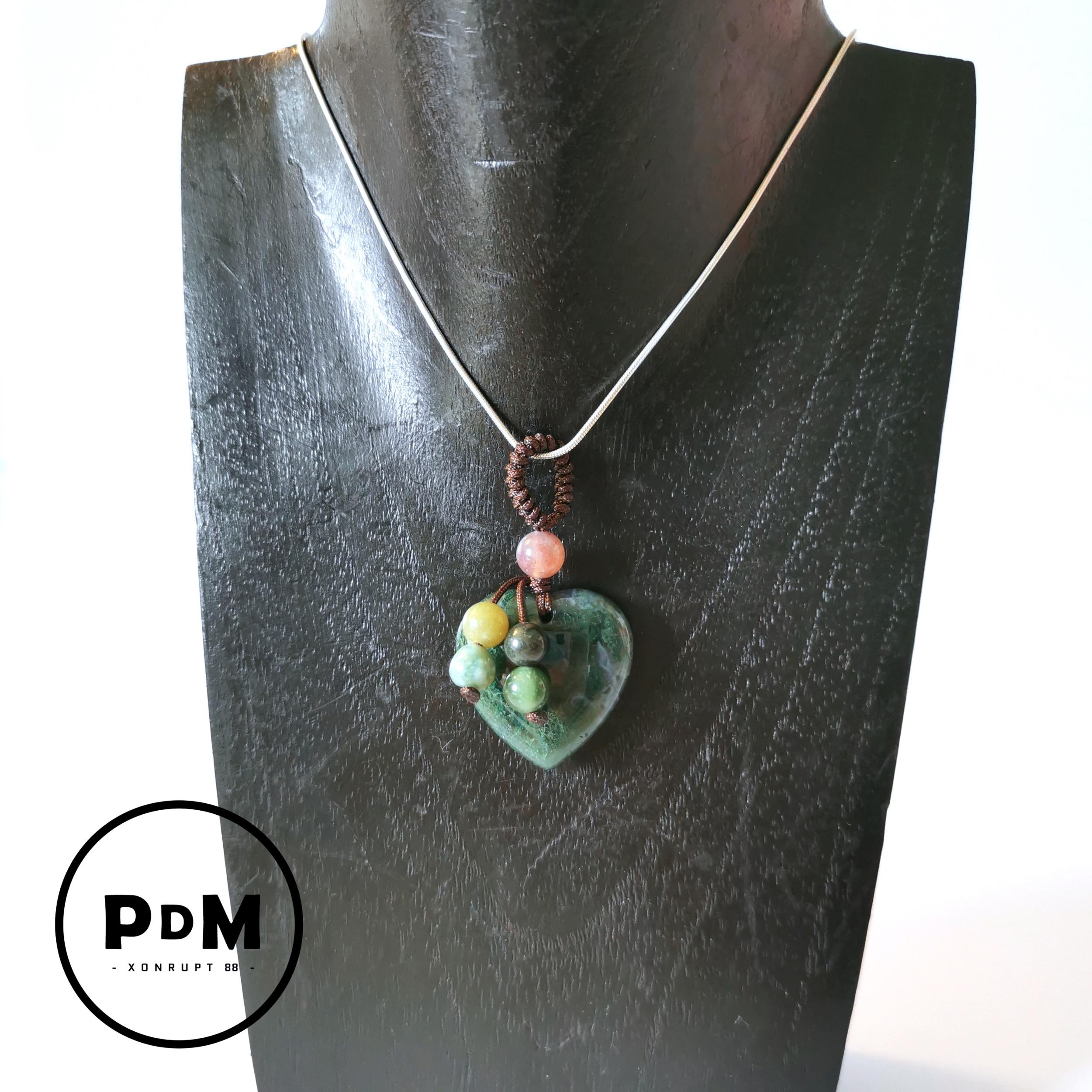 Pendentif-charme Agate mousse en pierre naturelle forme coeur