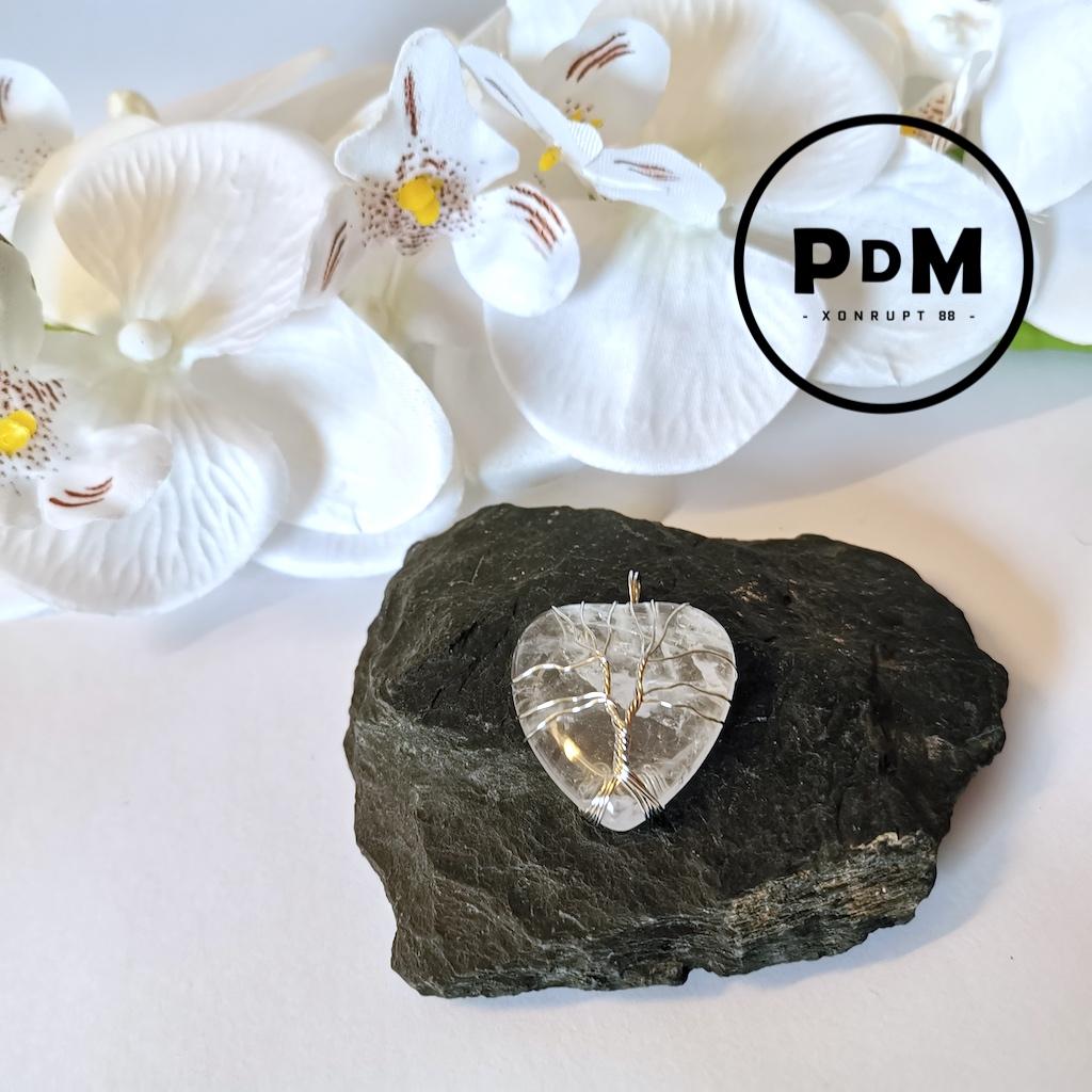 Pendentif Quartz blanc en pierre naturelle forme coeur montage Arbre de vie métal argenté