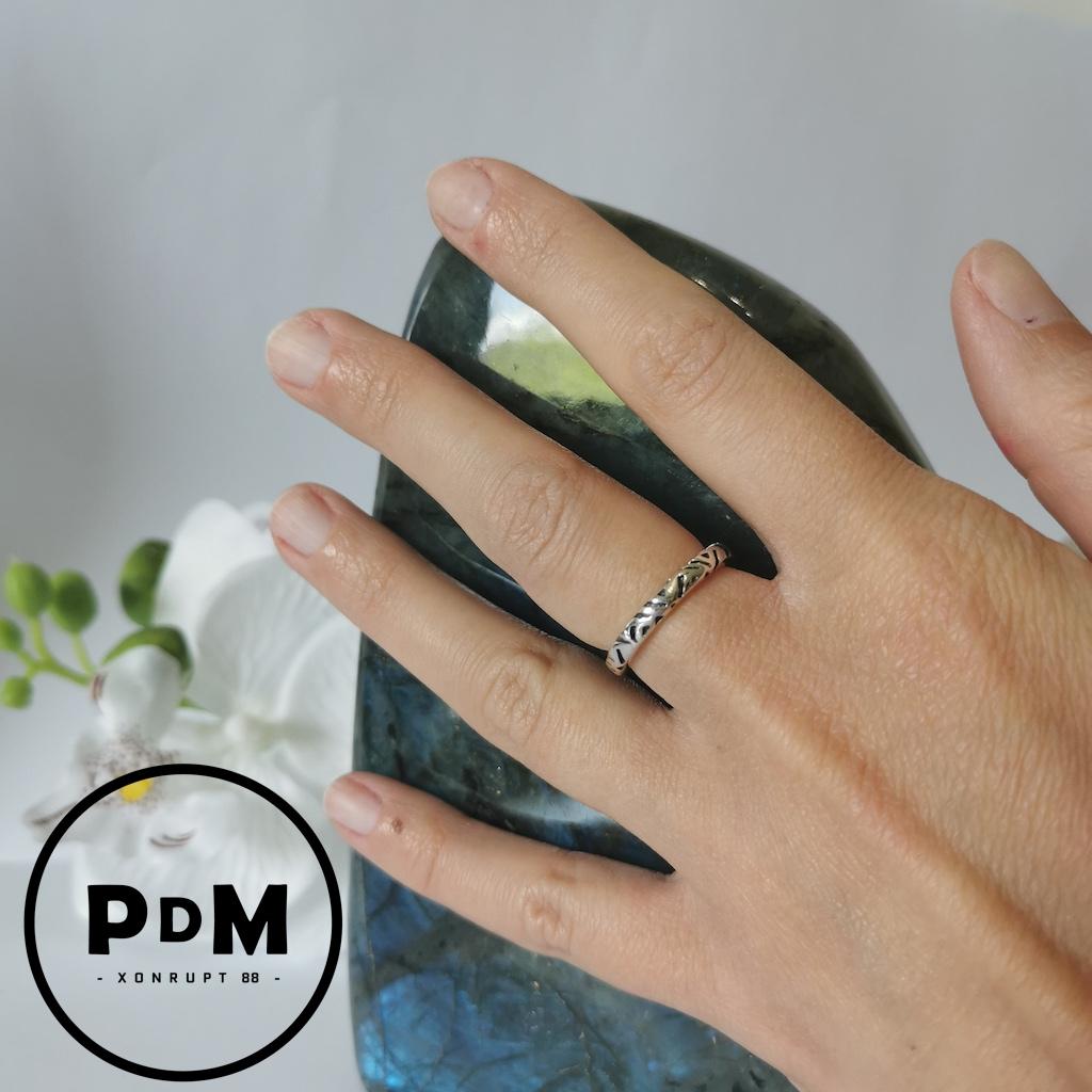 Bague anneau fin argent motif gravé