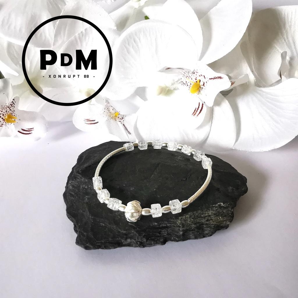Bracelet Cristal de roche en pierre naturelle perle cube petit modèle montage et décor argent