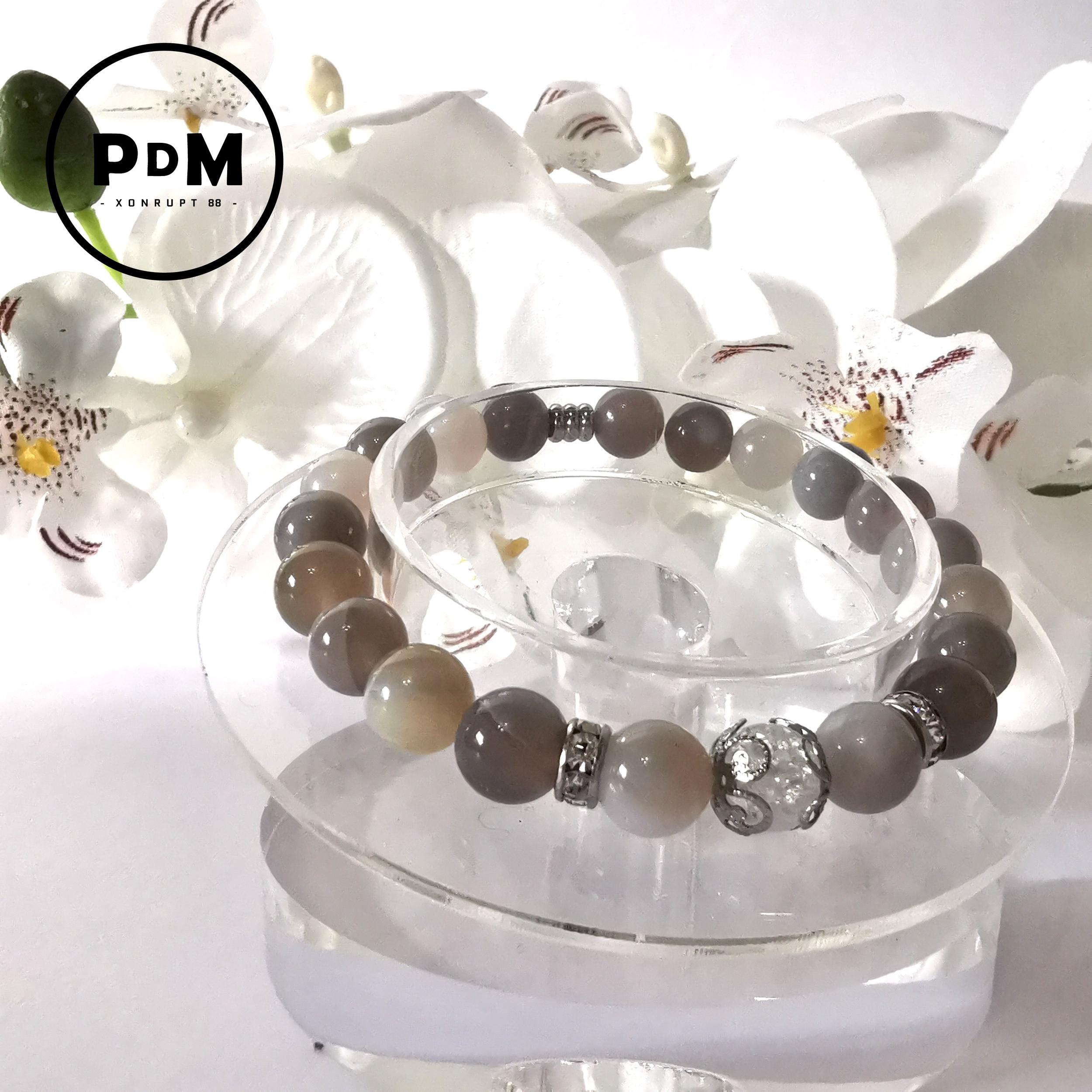 Bracelet Agate naturelle boule 8mm avec perle de quartz blanc craquelé strass et acier