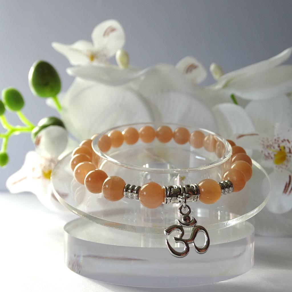 bracelet-pierre-de-soleil-pierre-naturelle-symbole-ohm-pierres-du-monde-vosges-1