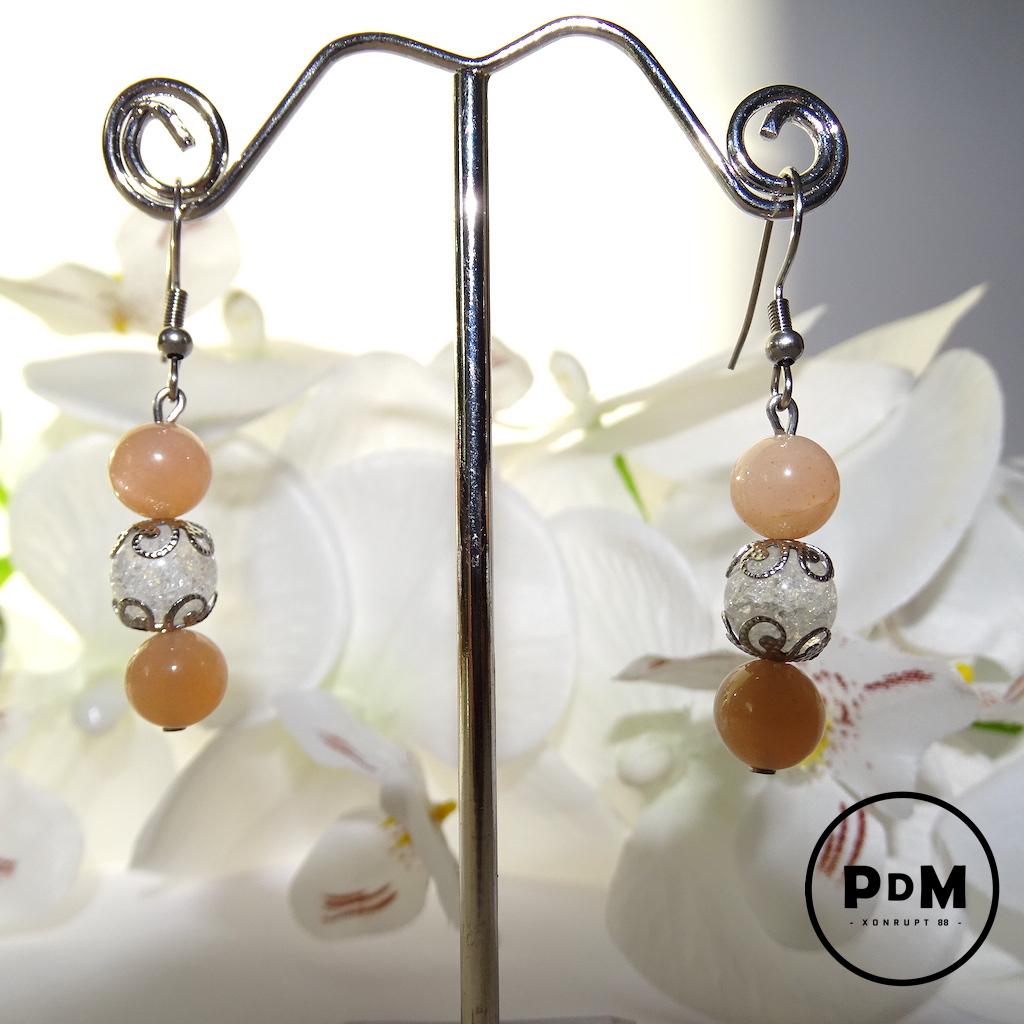 Boucles d\'oreilles Trio Pierre de Soleil et Quartz blanc craquelé en pierre naturelle perle 8 mm fleurs et montage acier