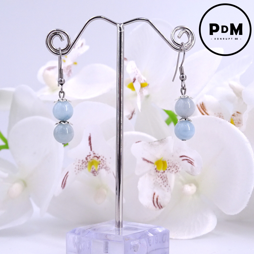 Boucles d\'oreilles duo Aigue-Marine en pierre naturelle perle 8 mm décor fleurs en montage acier