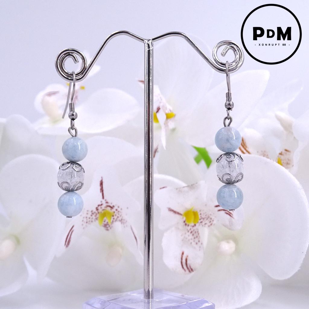 Boucles d\'oreilles trio Aigue-Marine et Quartz blanc craquelé en pierre naturelle perle 8 mm décor fleurs et montage acier