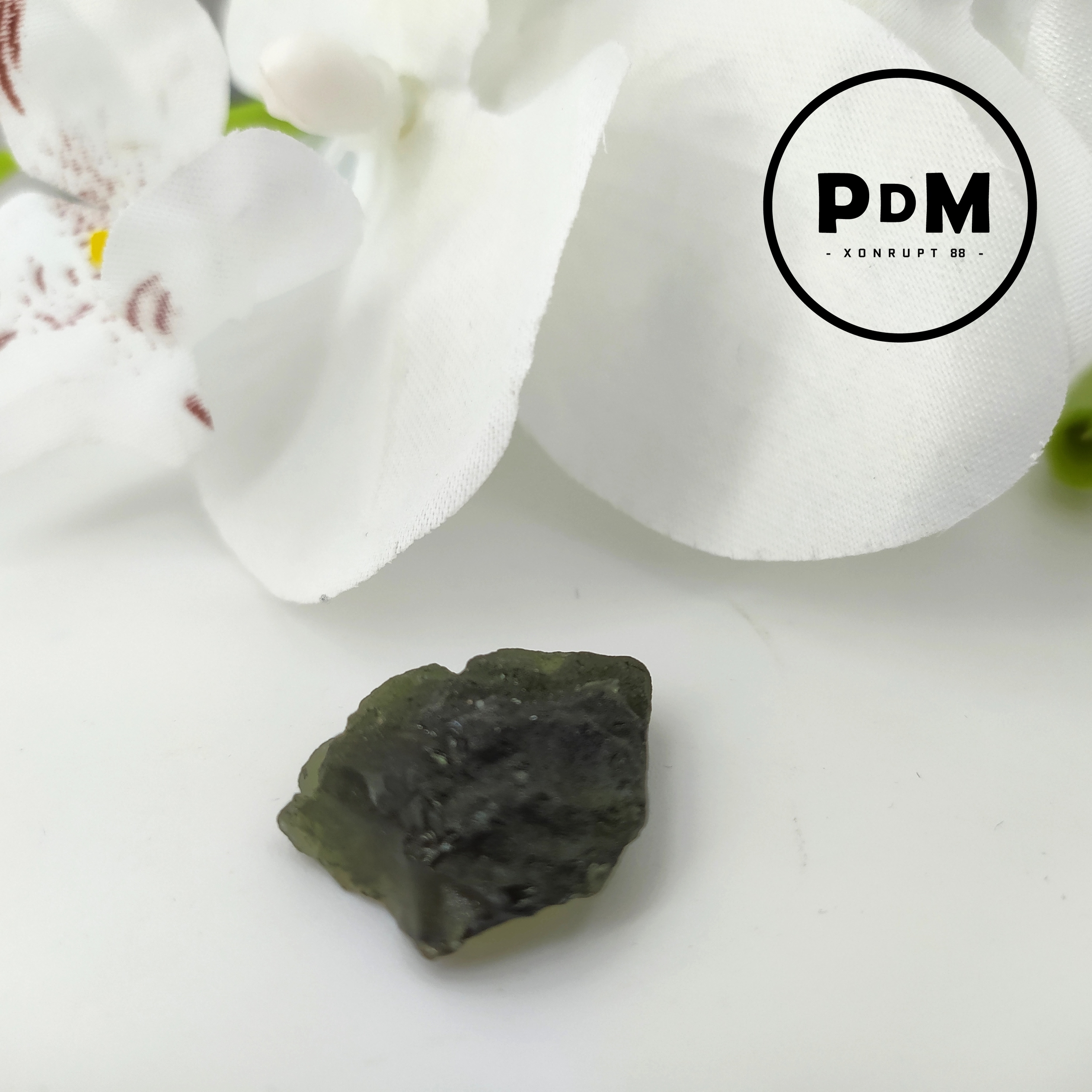 Pierres brut en pierre naturelle de MOLDAVITE