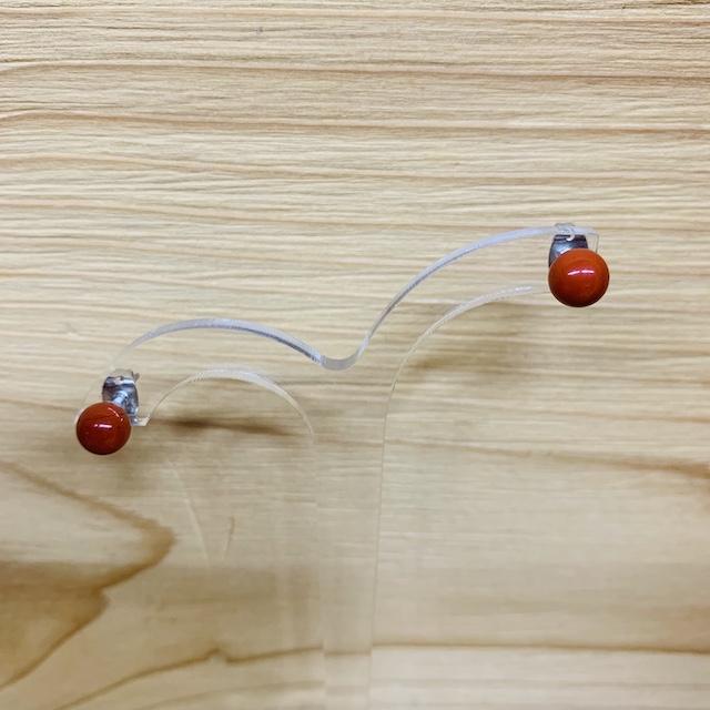 Boucle d\'oreille puce de 6 mm Jaspe rouge