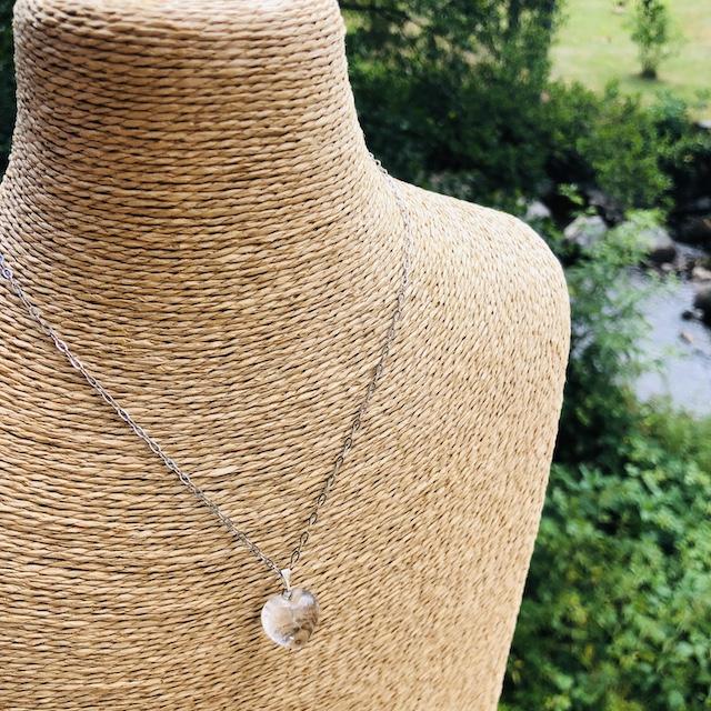 Pendentif Cristal de Roche (Quartz Blanc) coeur pierre naturelle