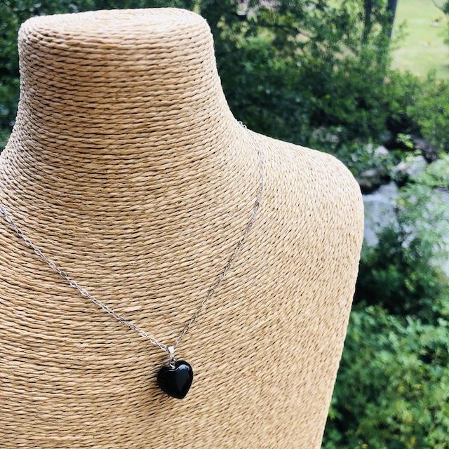 Pendentif Onyx noir coeur pierre naturelle