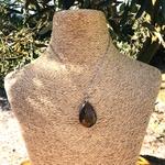 Pendentif-oeil-de-tigre-goutte-pierre-naturelle-pierres-du-monde-vosges-1