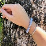 bracelet-boules-8-mm-calcedoine-bouddha-pierres-du-monde-vosges-1218