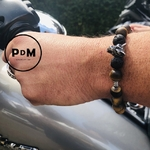 bracelet-oeil-de-tigre-pierre-de-lave-protection-courage-amitie-homme-collection-les-hommes-a-l-affiche-pierre-naturelle-pierres-du-monde-vosges-12