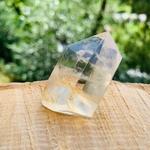 pointe-cristal-de-roche-pierre-naturelle-pierres-du-monde-vosges-106