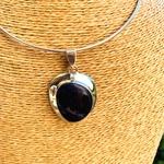 sodalite-pierre-naturelle-pendentif-pierres-du-monde-vosges-157