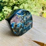 forme-libre-15-labradorite-polie-brute-pierres-du-monde-vosges-1b1