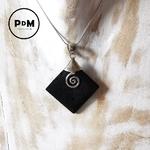 pendentif-lave-pierre-naturelle-forme-losange-montage-argent-spirale-pierres-du-monde-vosges-2