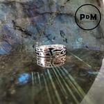 anneau-argent-grave-motif-abstrait-pierres-du-monde-vosges-2