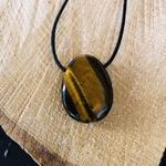 pierres-percees-oeil-de-tigre-pierres-du-monde-vosges-12