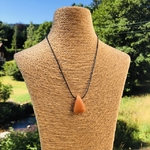 pierres-percees-calcite-orange-pierres-du-monde-vosges-1