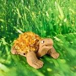 tortue-pm-personnage-céramique-ambre-pierres-du-monde-vosges-1